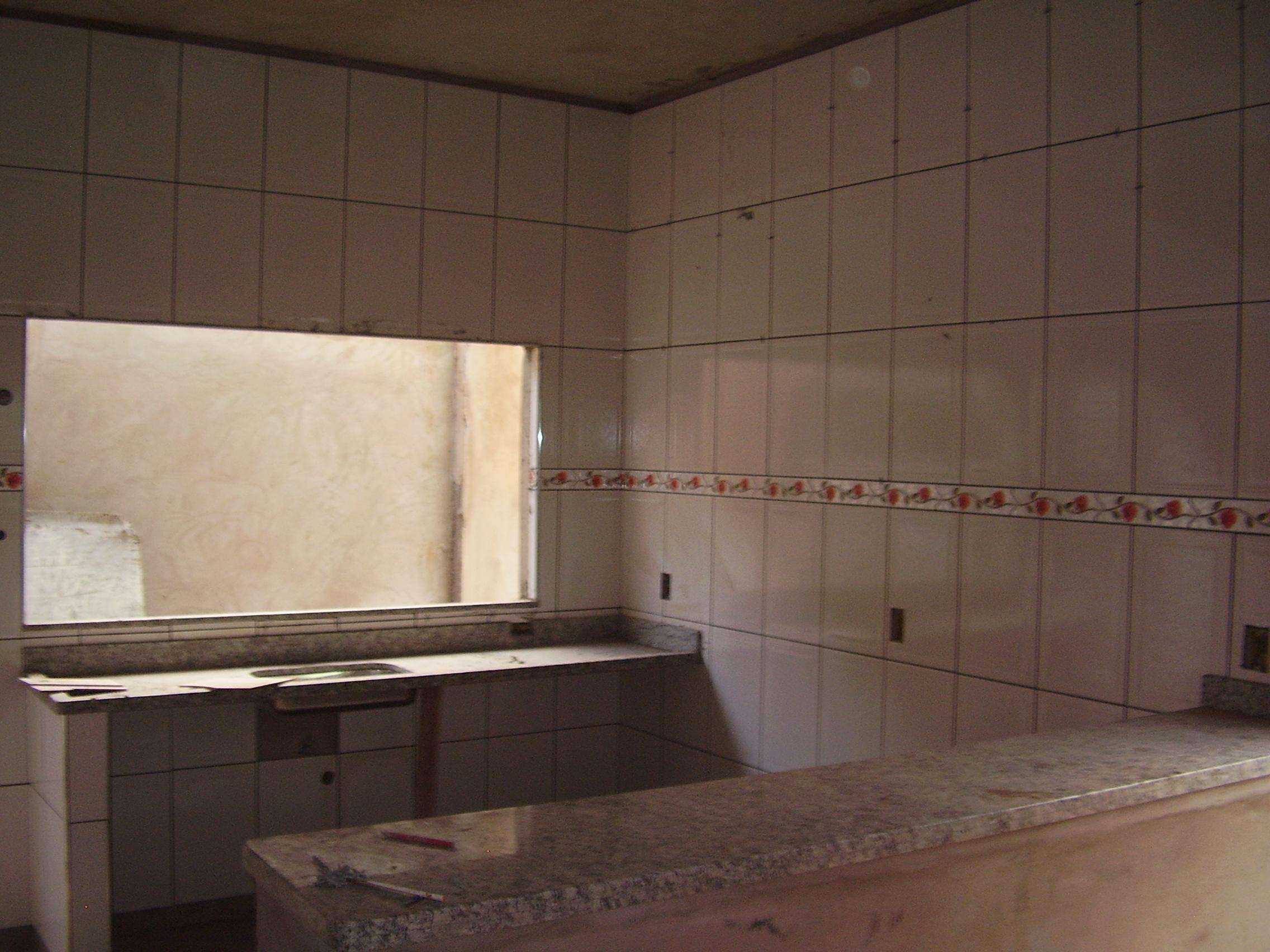PISOS E AZULEJOS Amor vínculo da perfeição #886B43 2272x1704 Banheiro Com Azulejo Grande